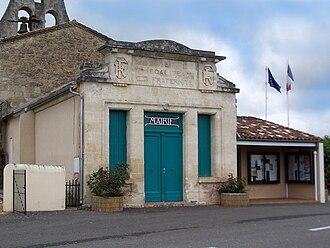 Auriolles - Town hall