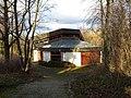 Aussegnungshalle auf dem Friedhof Aichelberg - panoramio.jpg