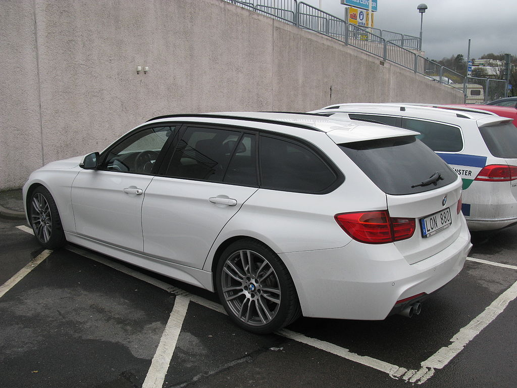 file bmw 320d touring m sport f31 13766998064 jpg wikimedia commons. Black Bedroom Furniture Sets. Home Design Ideas