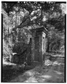BRICK PIER, DRIVEWAY TO HOUSE - Mansfield Plantation, U.S. Route 701 vicinity, Georgetown, Georgetown County, SC HABS SC,22-GEOTO.V,8-4.tif