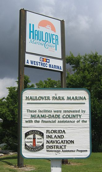 Baker's Haulover Inlet - A sign for the Park and Marina at Baker's Haulover.