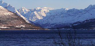 Jiehkkevárri - Image: Balsfjorden & Jiehkkevárri