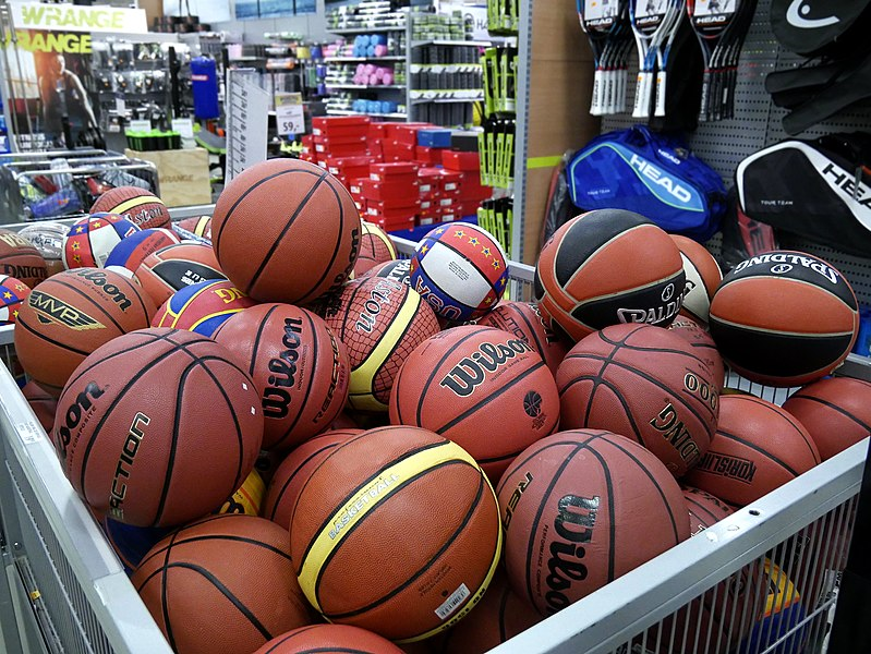 File:Basketball balls in store 20180330.jpg