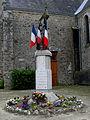 Beaulieu-sur-Oudon (53) Monument aux morts.JPG