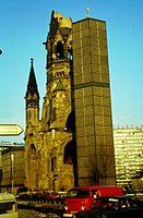 Berlin Kaiser-Wilhelm-Gedächtniskirche März 1979.jpg