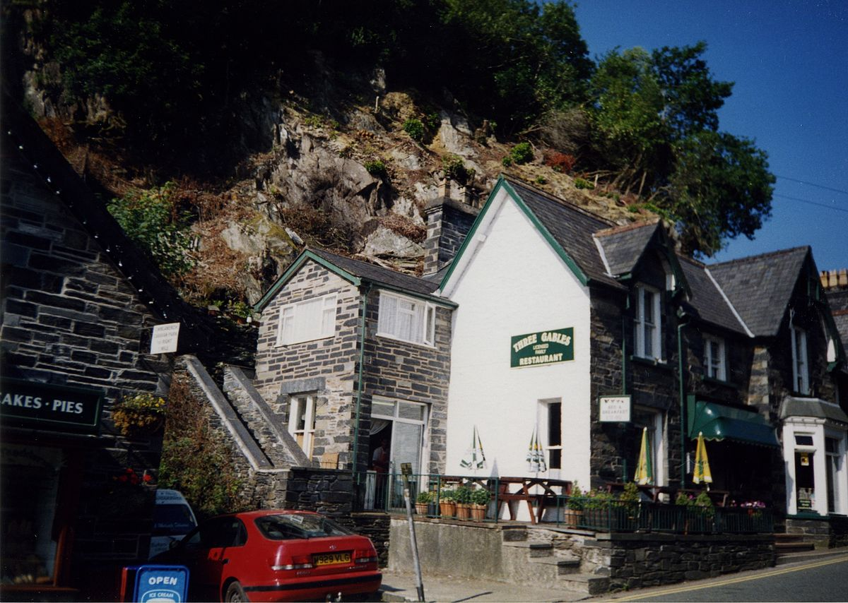 betws y coed single girls Bryn afon guest house: annual girls get together partners don't provide prices for this accommodation but we can search other options in betws-y-coed.