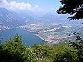 Blick nach Torbole und Riva del Garda - panoramio.jpg