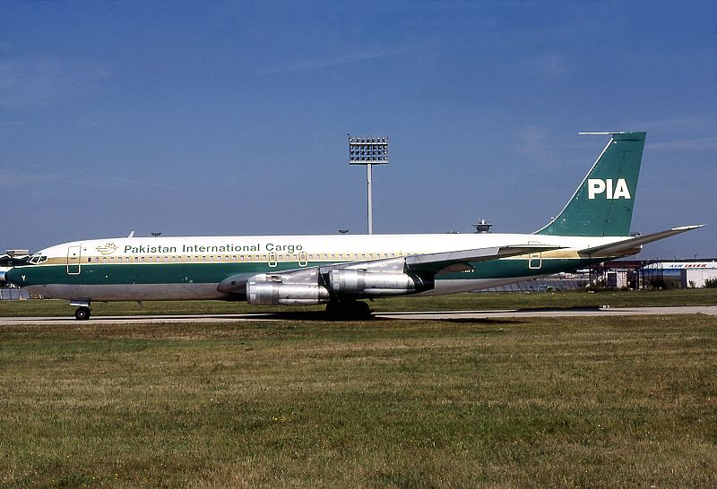 Boeing 707-340C, Pakistan International Airlines Cargo - PIA AN0633118.jpg