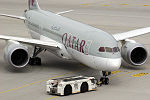Boeing 787-8 Dreamliner Qatar Airways A7-BCK (9548326000).jpg