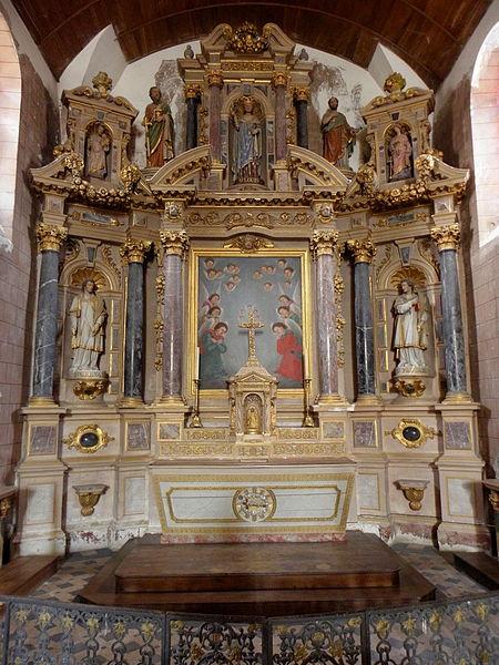 Église Saint-Gervais et Saint-Protais de Brée (53). Maître autel et son retable.