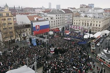 President George W. Bush and Slovakia's Prime Minister Mikulas Dzurinda are greeted by a crowd of thousands gathered in Bratislava's Hviezdoslavovo Square (February 2005). Bratislava's Hviezdoslavovo Square 2005-02-24.jpg