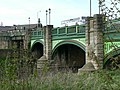 Bridge over River Aire, Kirkstall - geograph.org.uk - 165305.jpg