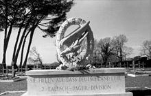220px-Bundesarchiv_Bild_101I-574-1797-18