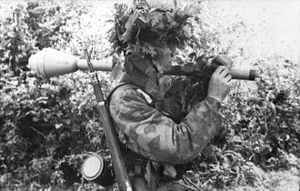 Splittertarnmuster - Fallschirmjäger wearing Splittermuster41