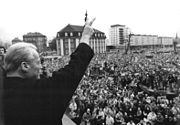 Bundesarchiv Bild 183-1990-0304-022, Gera, SPD-Wahlkundgebung, Willy Brandt