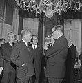 Burgemeester Van Hall ontvangt premier Ikeda van Japan in zijn ambtswoning, Bestanddeelnr 914-5352.jpg