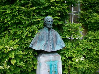 Bust Of Cardinal Newman In The College Garden