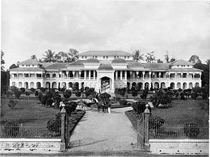 Maimun Palace - Image: COLLECTIE TROPENMUSEUM Het paleis van de Sultan van Deli te Medan. T Mnr 60001583