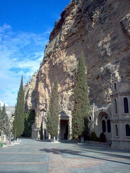 File:Calasparra-santuario-Virgen-de-la-Esperanza.jpg