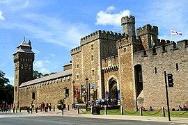 Cardiff Castle - panoramio (1)
