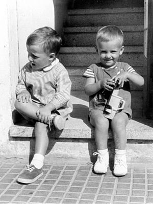 Carles Puigdemont - Puigdemont (right) as a child, next to his older brother