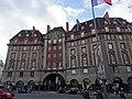 Carrefour Curie, architecture des années 1930, Paris 2016.jpg