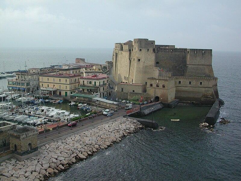 File:Castel dell-Ovo.JPG