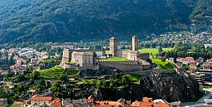 English: View of Bellinzona's Castelgrande as ...