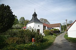 Center with chapel of Hrobská Zahrádka, Obrataň, Pelhřimov District.jpg