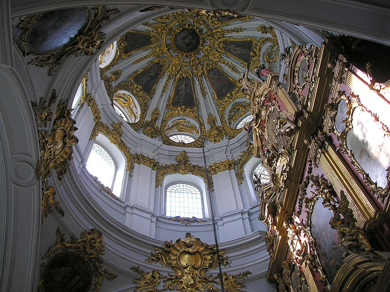 Datei: Central dome of St. Andrew's Church.JPG