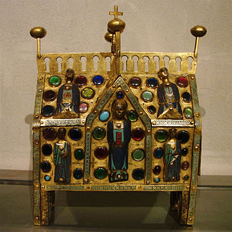 Chasse (casket) - Limoges example of the first style with the figures enamelled, and gems.