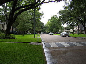 Memorial, Houston - Looking east on Chadbourne Drive in Nottingham Forest, Section 8