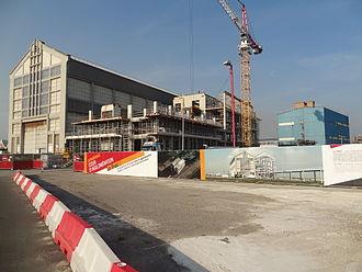 Ateliers et Chantiers de France - FRAC building under construction beside the AP2 (left)