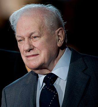 Charles Durning - Charles Durning at the 2008 National Memorial Day Concert in Washington, D.C..