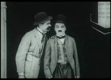 Datei:Charlie Chaplin, bond of friendship, 1918.ogv