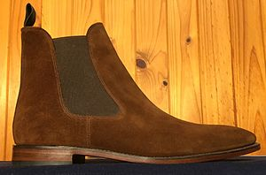 """Chelsea boot - Loake """"Mitchum"""" Chelsea boot in brown suede"""