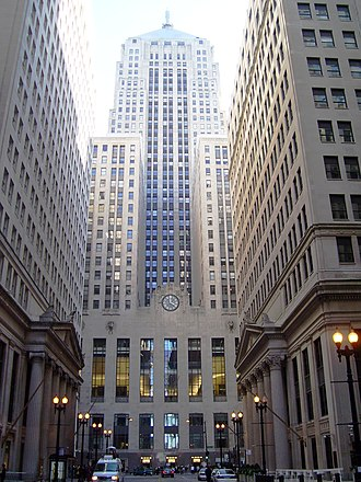 LaSalle Street - The Chicago Board of Trade Building (center), the Continental Illinois Building (left) and the Federal Reserve Bank of Chicago (right)
