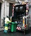 Collecte des déchets à Paris.JPG