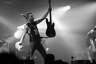 Nate Newton (musician) - Nate Newton performing with Converge at the Eurockéennes in 2007