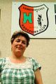 Cora Kielhorn Vorsitzende des Hannoverschen Radsport Clubs von 1912 e.V. vor dem Vereinshaus am Weddigenufer 23.jpg