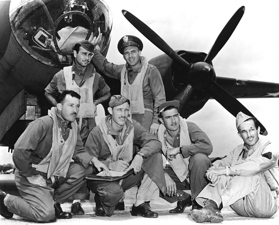 Crew of Lt. James Muri with Martin B-26 Marauder at Midway in June 1942