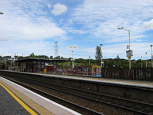 Croy railway station - Looking south east at the Glasgow-bound platform