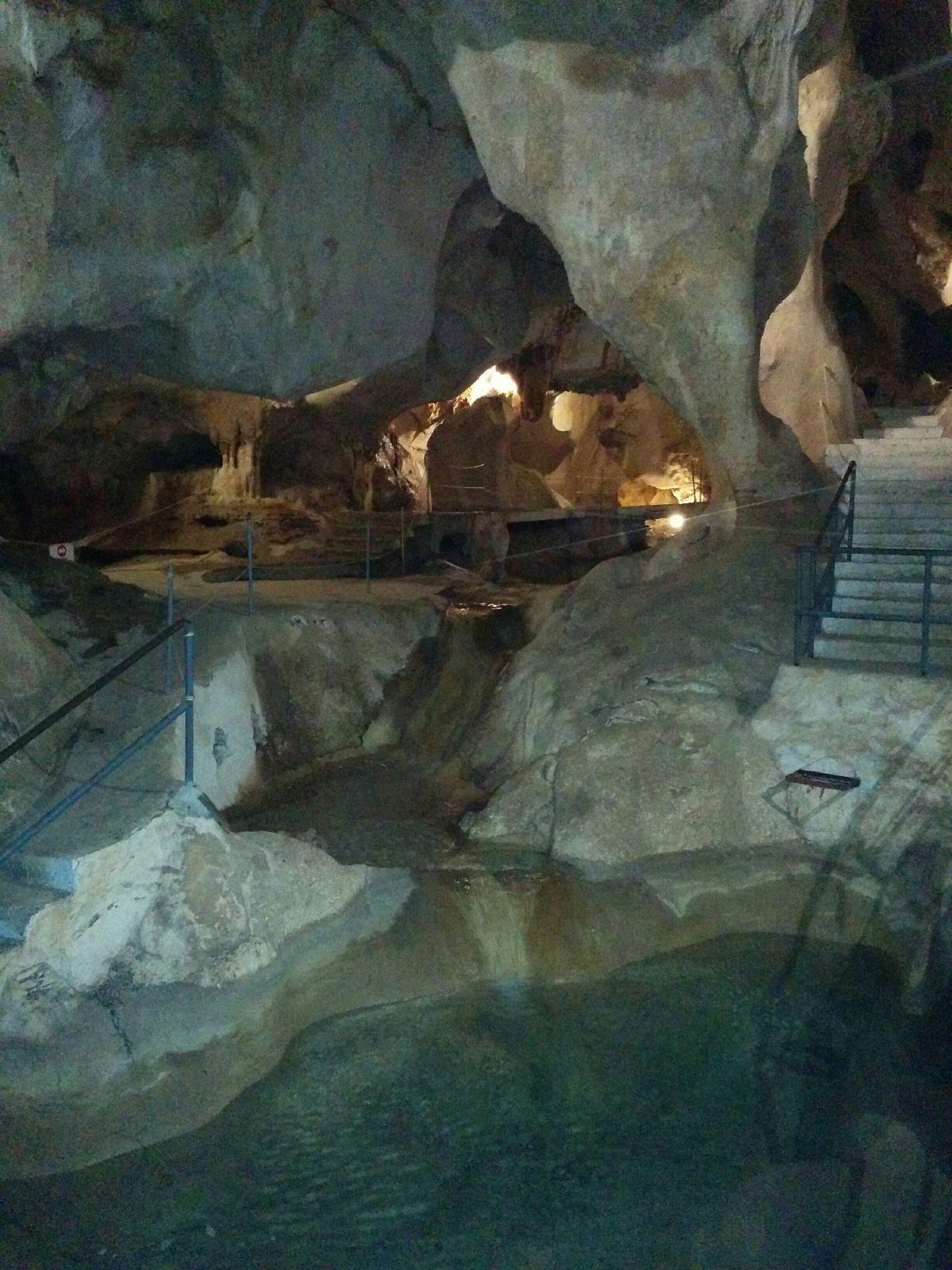 Cueva del Tesoro 2.jpg