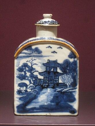 Tea caddy - A Chinese porcelain tea caddy