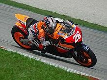 Pedrosa alla guida della sua Honda sul circuito malese di Sepang nel 2007