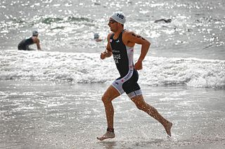 Aquathlon continuous, two-stage race involving swimming followed by running