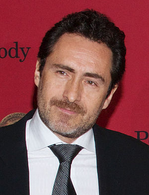 "The Bridge (U.S. TV series) - Image: Demián Bichir Cast and Crew of ""The Bridge"" May 2014 (cropped)"