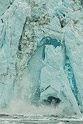 Desprendimiento en el glaciar Margerie, Parque Nacional Bahía del Glaciar, Alaska, Estados Unidos, 2017-08-19, DD 58.jpg