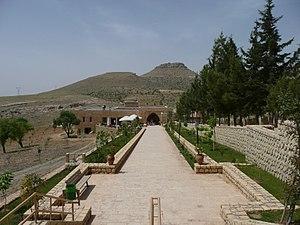 Mor Hananyo Monastery - Image: Deyrulzaferan P1040066 20080501123239