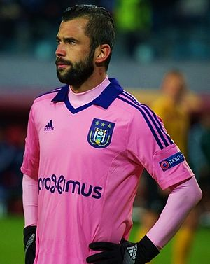 Steven Defour - Defour playing for Anderlecht in 2015